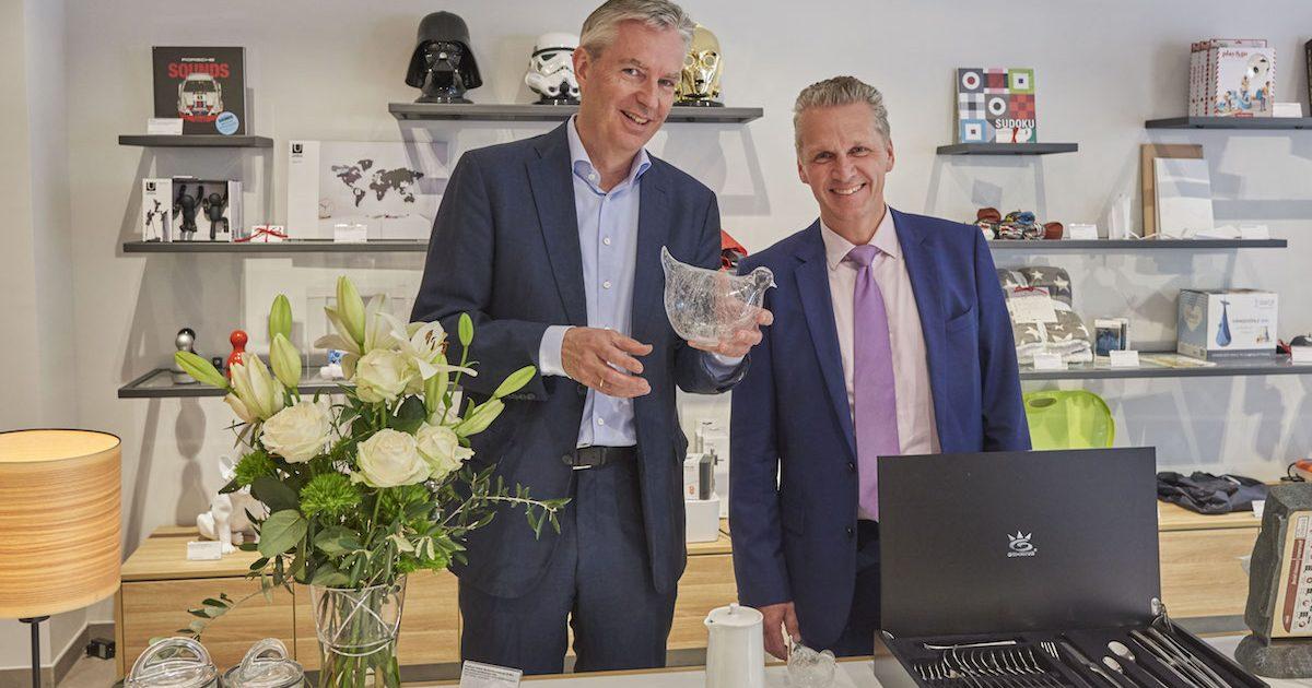 Dieter Junghans (Geschäftsführender Gesellschafter) & Ulf Bergjohann Geschäftsführer) während der Eröffnung des Pro-Idee Concept-Stores