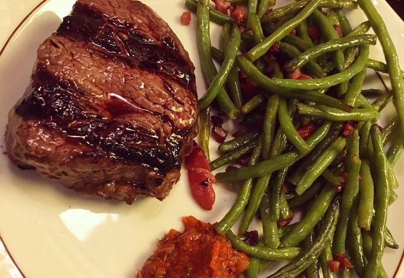 10 Tipps zum Steak essen in Düsseldorf | Steakhouse: El Lazo, Vanessa D. |Yelp | Topliste | Mr. Düsseldorf