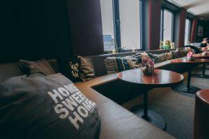 me and all hotel Lounge Düsseldorf | Lieblingsladen | Sitzbereich | Mr. Düsseldorf