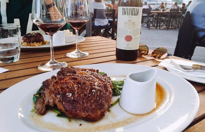 10 Tipps zum Steak essen in Düsseldorf | Steakhouse: Rocca im Gehry's | Topliste | Mr. Düsseldorf