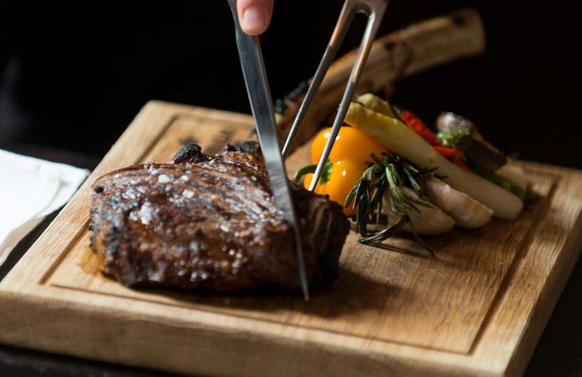 10 Tipps zum Steak essen in Düsseldorf | Steakhouse: The Grill Upper Kö | Topliste | Mr. Düsseldorf