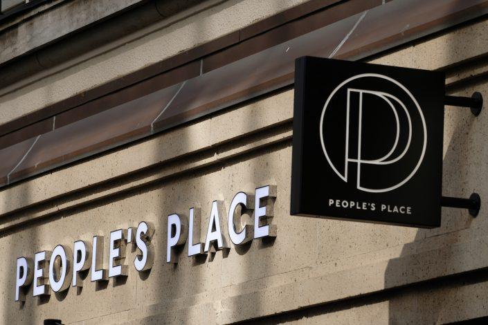 Tommy Hilfiger People´s Place Düsseldorf Logo