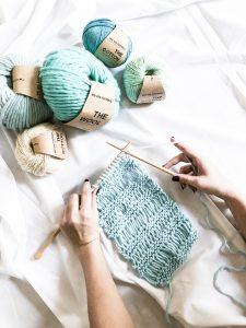 We Are Knitters | Stricken mit grünem Garn