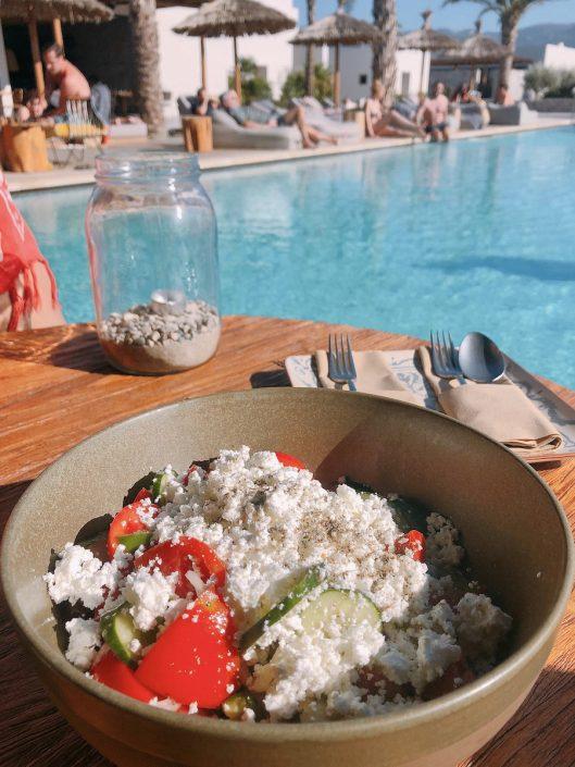 Griechischer Salat am Pool Casa Cook