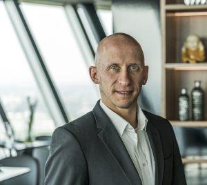 Manfred Birkenfeld | Restaurant General Manager | Qomo Rheinturm Düsseldorf
