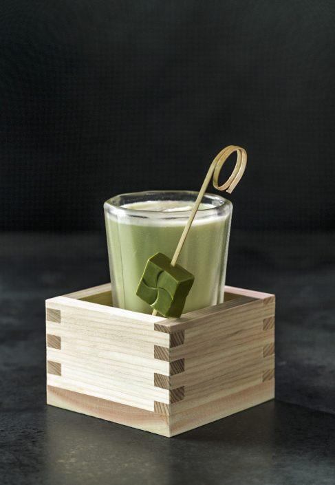 Cocktail 'Walking in Kyoto' by Claus Liebscher | Qomo