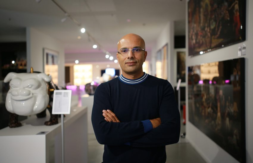 Galerieleiter Abdellah Korari