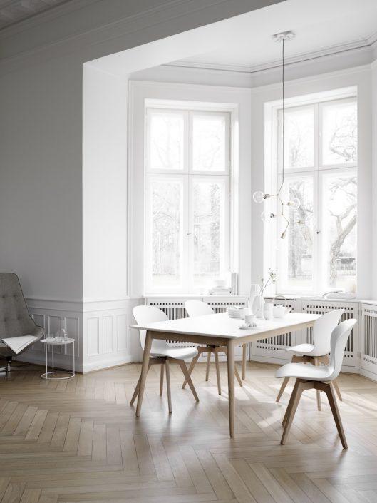 BoConcept Düsseldorf | Esszimmer mit weißen Stühlen | Lieblingsladen | Mr. Düsseldorf