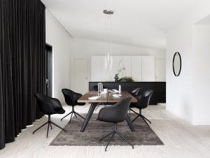 BoConcept Düsseldorf | Esszimmer mit schwarzen Stühlen | Lieblingsladen | Mr. Düsseldorf