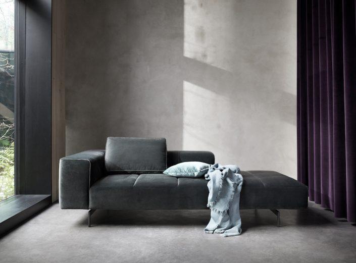 BoConcept Düsseldorf | schwarzes Sofa | Lieblingsladen | Mr. Düsseldorf