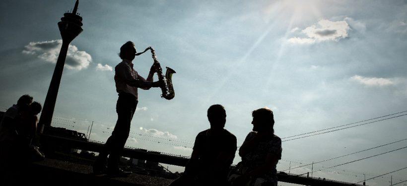 schauinsland-reisen Jazz Rally Düsseldorf | Apollo Wiesen Live Konzert mit Rheinturm | Eventkalender | Mr. Düsseldorf