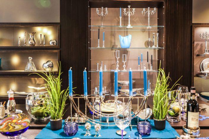 Tischdekoration aus Silberelementen | Lieblingsläden | Mr. Düsseldorf | Foto: Melanie Zanin