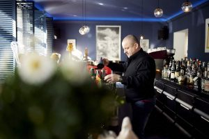 Nikon School | Food-Fotografie-Workshop im Lido Malkasten | Barkeeper | Mr. Düsseldorf