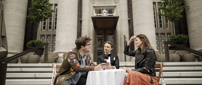 """Robert, Timo und Paula (vlnr.) bei der Aufnahme einer Folge des Podcasts """"rheingeredet"""""""