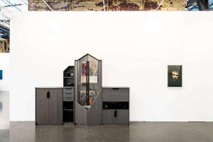 Art Düsseldorf 2019 geht zu Ende| Magazin | Mr. Düsseldorf | Art Düsseldorf 2019, DDR Noir (2019) von Henrike Naumann bei KOW, Copyright Sebastian Drüen