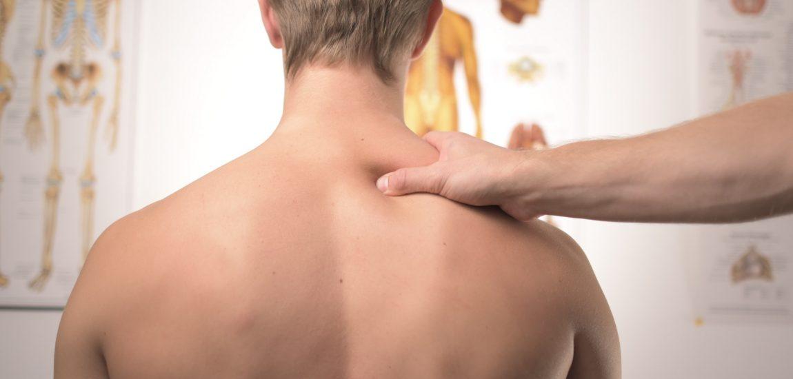 Osteopathie in Düsseldorf mit Finn Lorenz | Kartendeal | Mr. Düsseldorf