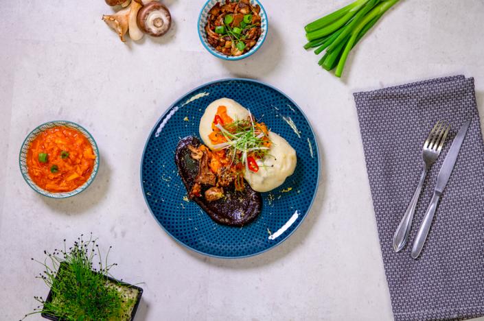 Zuhause kochen mit Delikatessen von Bos Food | Baos mit Kürbis-Mango-Chilisalat | Magazin | Mr. Düsseldorf
