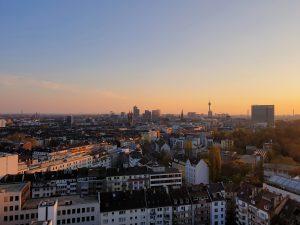 The Paris Club | Heimaturlaub – Top 10 Sonnenplätze in Düsseldorf | Topliste | Foto: Anna Bobrova