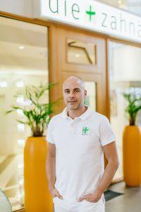 Praxisinhaber Dr. med. dent. Patrick Hoffmann   Im Stadttor (Medienhafen)   Lieblingsladen   Mr. Düsseldorf
