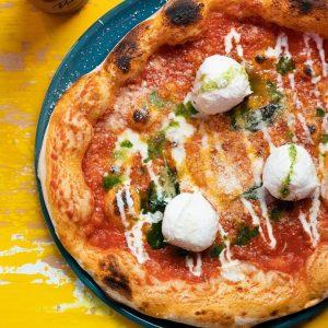 Delivery & Take away Special: Pizza & Pasta in Düsseldorf | Topliste | Mr. Düsseldorf | Foto: Auroras & Vitos Süßholz