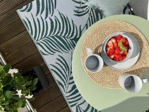 Deko auf unserem großen, sonnigen Balkon zum Innenhof   8 Tipps für euren grüneren Balkon mit Bogie's   Mr. Düsseldorf 2021