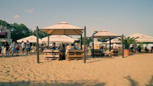 Beachclub im Nordpark   Heimaturlaub – Top 10 Sonnenplätze in Düsseldorf   Topliste   Foto: Beachclub im Nordpark