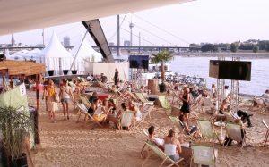 Kino Beach Düsseldorf | Heimaturlaub – Top 10 Sonnenplätze in Düsseldorf | Topliste | Foto: Anke Hesse