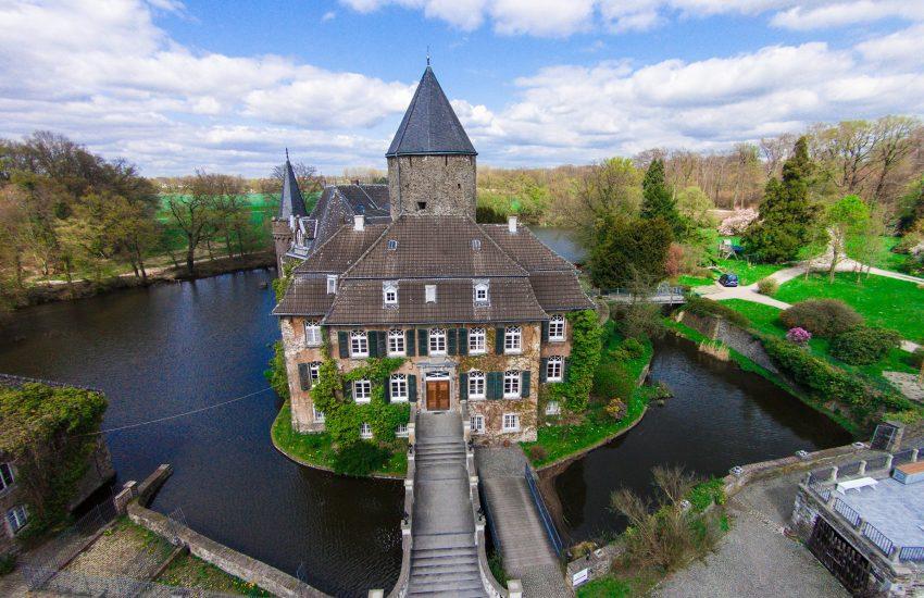 Schloss Linnep | Top 10 Schlösser in Düsseldorf und Umgebung | Magazin | Mr. Düsseldorf |Foto: Schloss Linnep