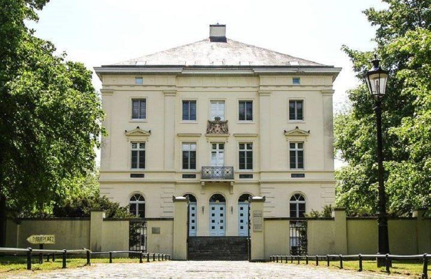 Schloss Mickeln | Top 10 Schlösser in Düsseldorf und Umgebung | Magazin | Mr. Düsseldorf |Foto: Schloss Mickeln