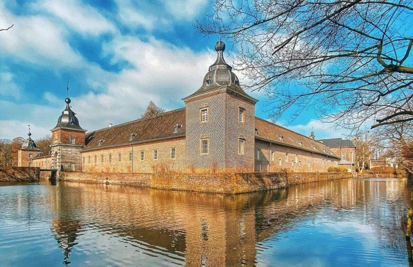 Schloss Heltorf | Top 10 Schlösser in Düsseldorf und Umgebung | Magazin | Mr. Düsseldorf |Foto: @steini1807