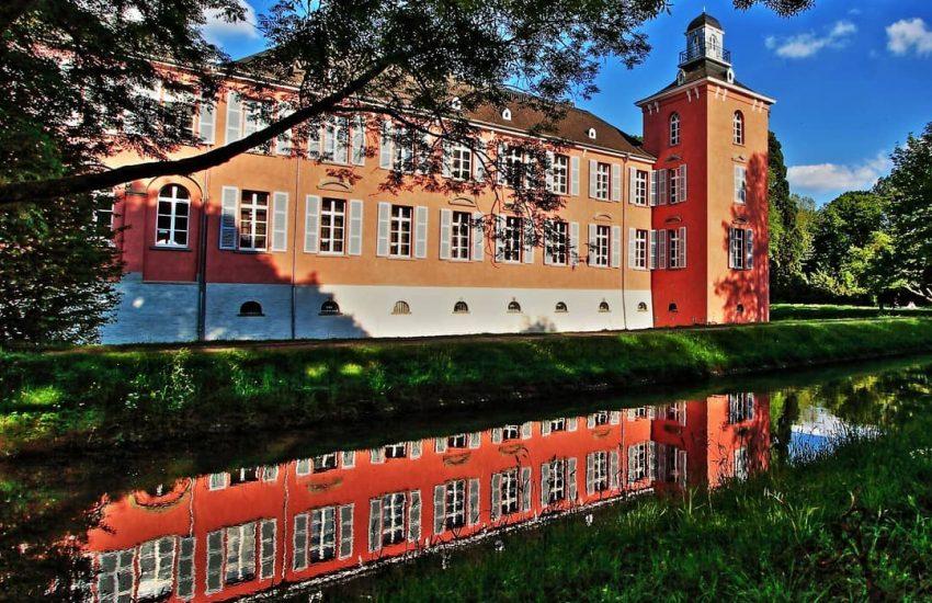 Schloss Kalkum | Top 10 Schlösser in Düsseldorf und Umgebung | Magazin | Mr. Düsseldorf |Foto: @causddorf2