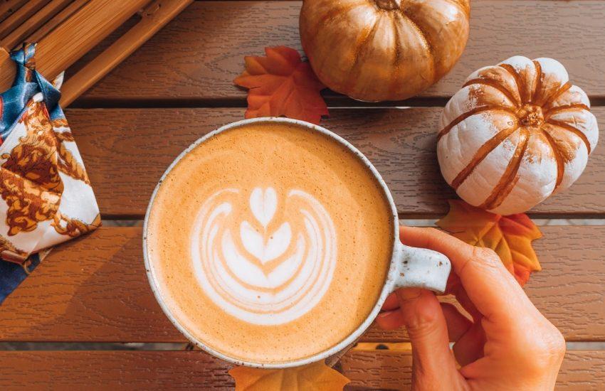 Pumpkin Spice Latte   Top 13 Kürbis mal kreativ!   Mr. Düsseldorf   Foto: unsplash